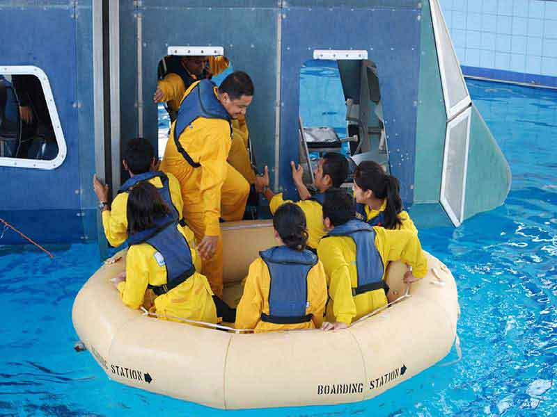 Tropical Helicopter Underwater Escape Training